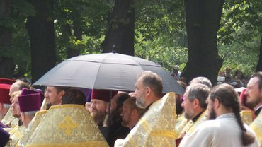 Духовенство под прикрытием - фото 1