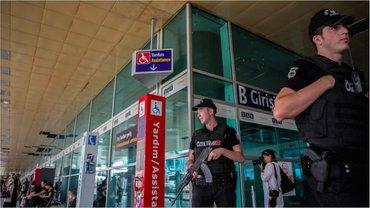 Взрыв в аэропорту Стамбула унес жизни 48 человек - фото 1