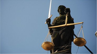 Суд отменил арест имущества прокурора  - фото 1