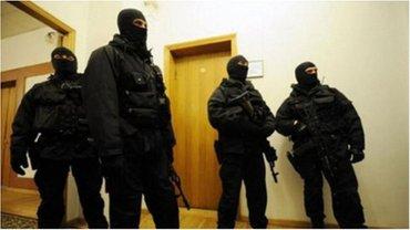В помещениях администрации морских портов и госавиаслужбы проходят обыски. - фото 1
