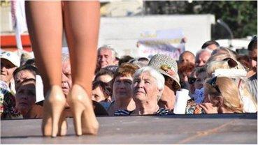 Юлия Тимошенко поразила жителей Херсона, рассуждая о судьбе страны в дорогущих туфлях. - фото 1