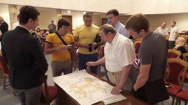 Проектувальники та забудовники сперечалися із місцевими мешканцями - фото 1