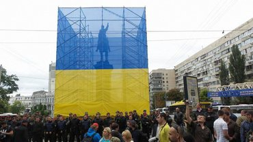 Памятник Щорсу уберут с улиц Киева до конца сентября - фото 1