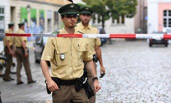 Немецкие полицеские задержали одного из главарей ИГ - фото 1