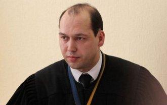 Одиозного служителя Фемиды отстранили от должности на два месяца - фото 1