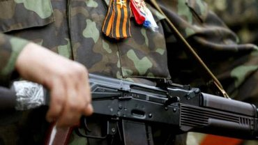 Милиционер украл служебный автомат и сбежал с боевиками в Донецк - фото 1
