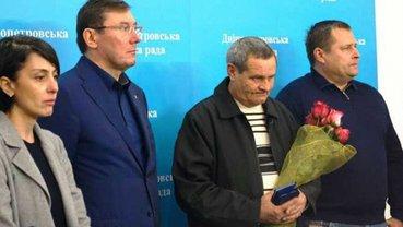 Петр Порошенко поблагодарил водителя маршрутки за смелость - фото 1
