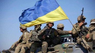 Украинские военные могут открыть новый КПП после отвода вооружений возле Золотого - фото 1