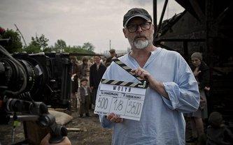 Режиссер фильма во время съемок  - фото 1