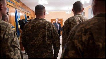 Гройсман посетил 199 учебный центр Высокомобильные десантных войск ВСУ - фото 1