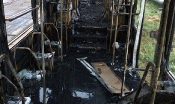 Утром в депо обнаружили пожар в 2  трамваях - фото 1