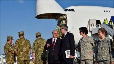 Посол Украины в США Чалый и экс-посол США в Украине Джеффри Пайетт - фото 1