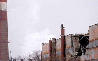 Из-за скопившегося снега рухнула крыша цеха завода - фото 1