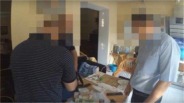 ГПУ: в Днепре судья райсуда с сообщниками завладел 32 квартирами - фото 1