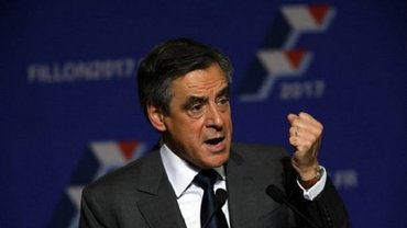 Саркози уже поздравил Фийона с победой на праймериз - фото 1