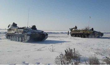 Украинские военные работали на учениях и в ночное время - фото 1
