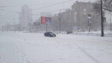 Коммунальщики задействовали почти все технические ресурсы для борьбы со снегом - фото 1