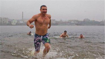 Як пірнають в ополонку на Водохреща українські політики - фото 1