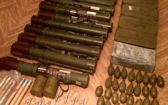У дезертира силовики нашли мощный арсенал оружия - фото 1