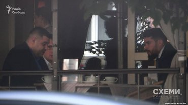 Грановський та нинішній адвокат Насірова Олег Маліневський у ресторані в Києві влітку 2016 року - фото 1