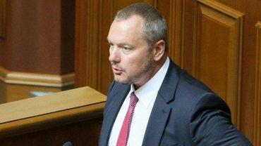 Луценко продемонстрировал подтверждающие его слова документы - фото 1