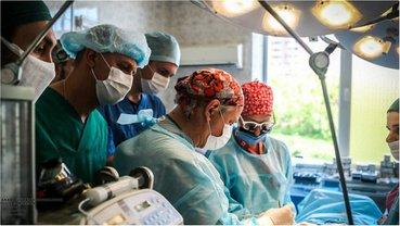 Рука допомоги. Як канадські медики рятують життя українців - фото 1