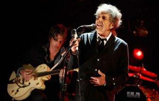 Премию вручили из-за концерта Дилана, запланированного на 2 апреля в Стокгольме - фото 1