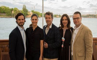 Принцесса Дании с шведским принцем Даниэлем и принцессой Викторией - фото 1