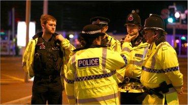 Полиция уже задержала 8 человек - фото 1