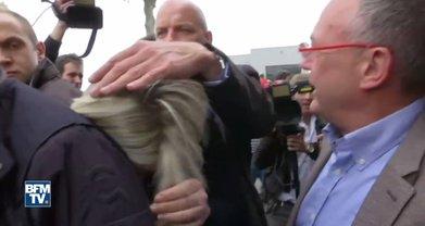 Охрана Ле Пен начала прикрывать ее - фото 1