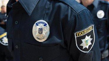 Хулиганы задержаны, полицейский наказан - фото 1