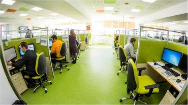 Компания активно инвестирует в технологии и улучшения системы обслуживания клиентов в центрах современных технологий - фото 1