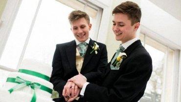 Ангела Меркель законом о браках ЛГБТ решила объединить парламент - фото 1