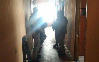 В горсовете Ирпеня проводят обыски, а мэр находится за границей - фото 1