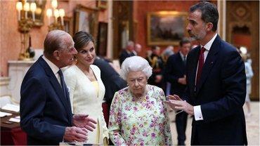 Королевы Испании, Летиция, и Великобритании, Елизавета ІІ - фото 1