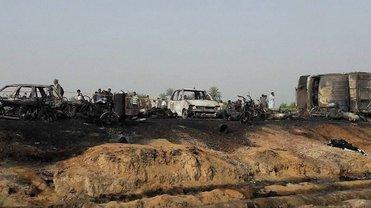 Еще 16 человек умерли в больницах Пакистана от последствий пожара - фото 1