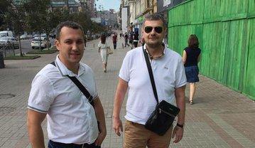Мосийчук прибыл к Печерскому суду вместе с однопартийцем Дмитрием Линько - фото 1