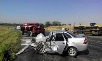 Водитель автомобиля погиб на месте - фото 1
