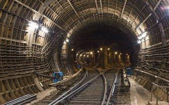 В Киеве две станции метро временно прекратили работу - фото 1