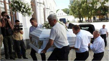Фото с похорон Ирины Бережной появились в сети - фото 1