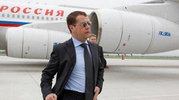 Медведев прилетит в Крым  - фото 1