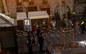 Теракт в Барселоне: Террористы ударили по наиболее популярному испанскому городу - фото 1