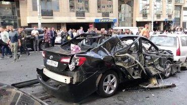 В центре Киева взорвалась иномарка - фото 1