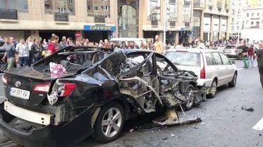 В машине в момент взрыва находились Тимур Махаури, а также женщина с ребенком - фото 1