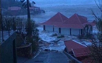 """Ураган """"Ирма"""" разрушил дома, отели, аэропорты и дорогие частные виллы - фото 1"""