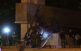 В оккупированном Луганске подорвали памятник  - фото 1