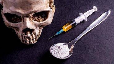 Задокументировано пять фактов хранения наркотических средств у посетителей клуба - фото 1