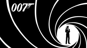 Мартин Кэмпбелл будет снимать фильмы про Бонда с любым актером кроме Дэниела Крейга - фото 1