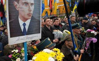 Поляки хотят приравнять символику ОУН-УПА к нацистской - фото 1