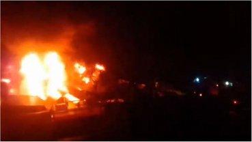 """В Макеевке сгорел рынок, который крышевали террористы из """"Сомали"""" - фото 1"""